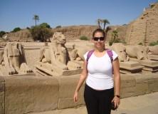 Natasha Gaget no Templo de Karnak (Egito)